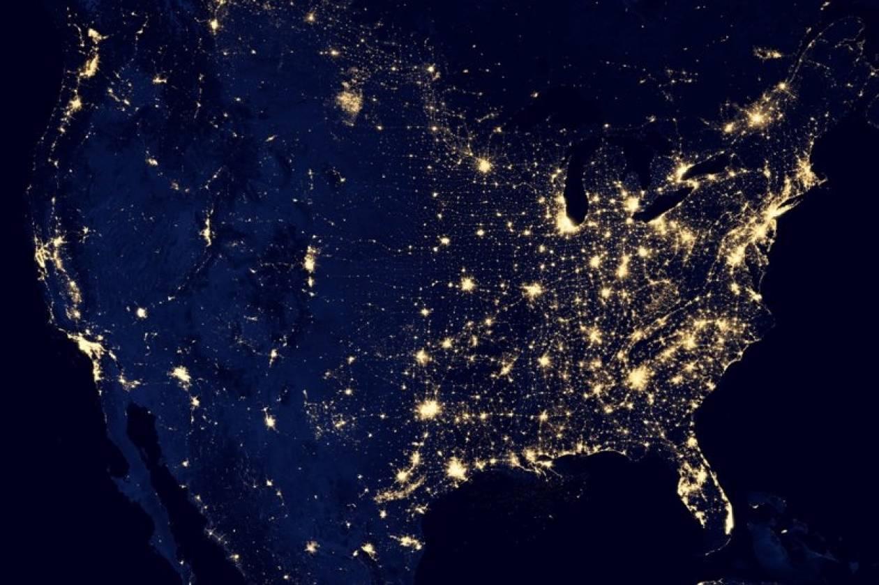 Βίντεο: Νέες εικόνες της Γης τη νύχτα από το διάστημα