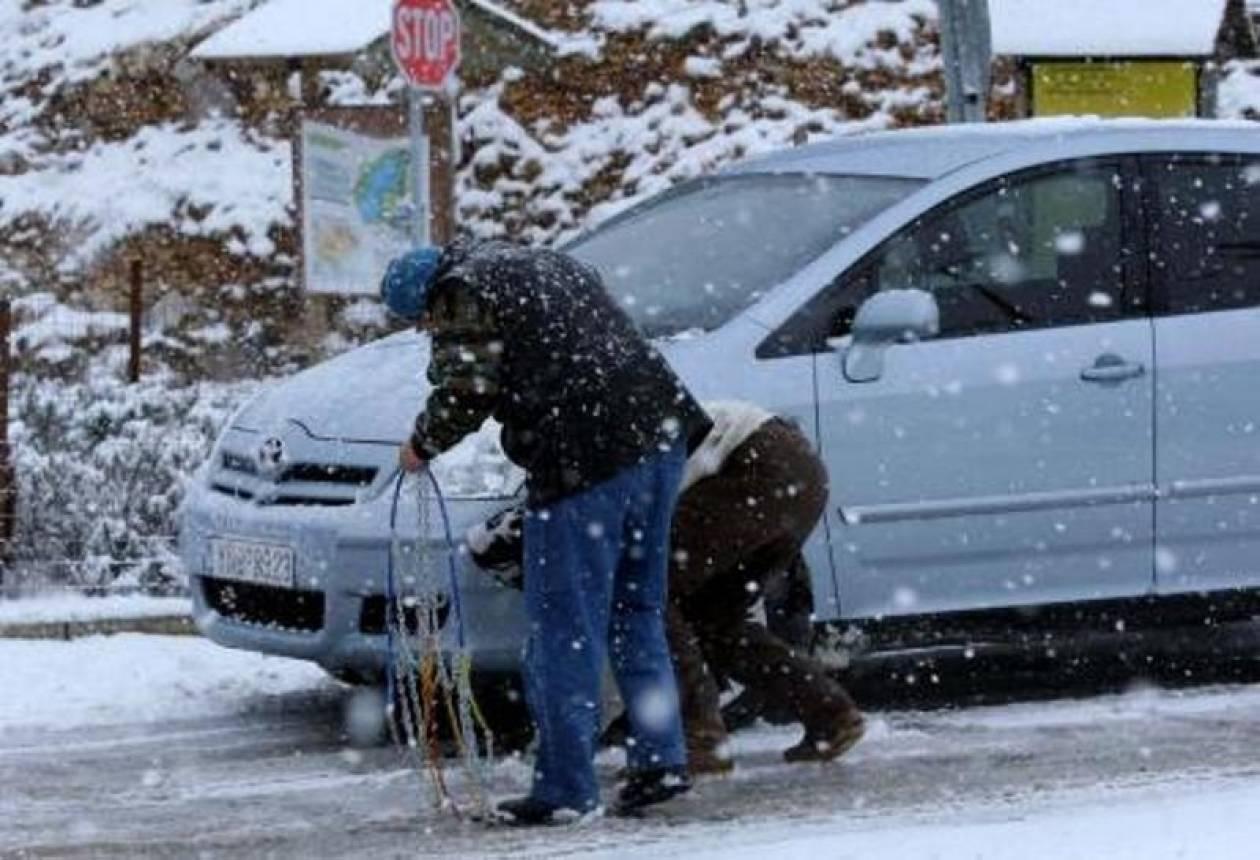 Έντονη χιονόπτωση στα ορεινά της Αχαΐας – Πού χρειάζονται αλυσίδες