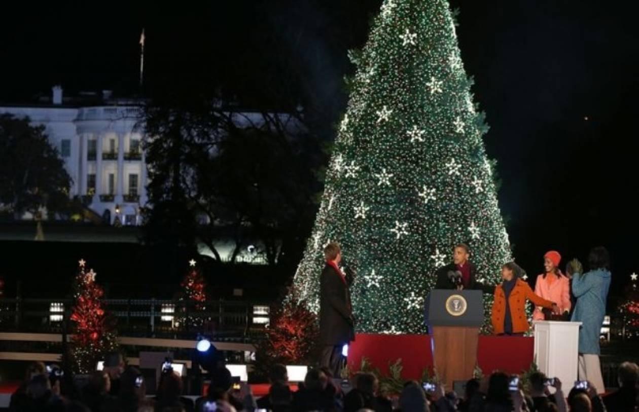Βίντεο: Ο Ομπάμα ανάβει το «Εθνικό Χριστουγεννιάτικο Δέντρο»