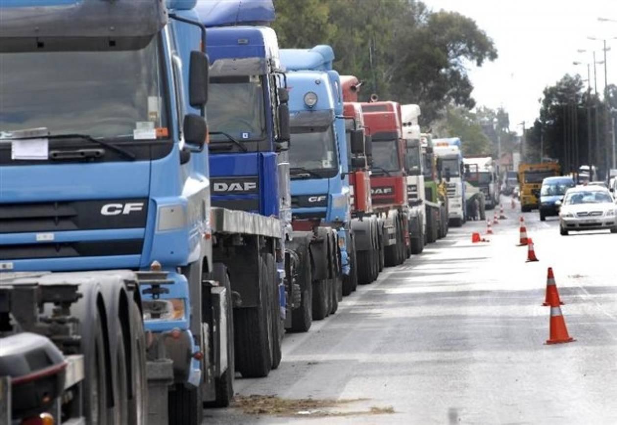 Με απεργίες διαρκείας απαντούν οι ιδιοκτήτες φορτηγών