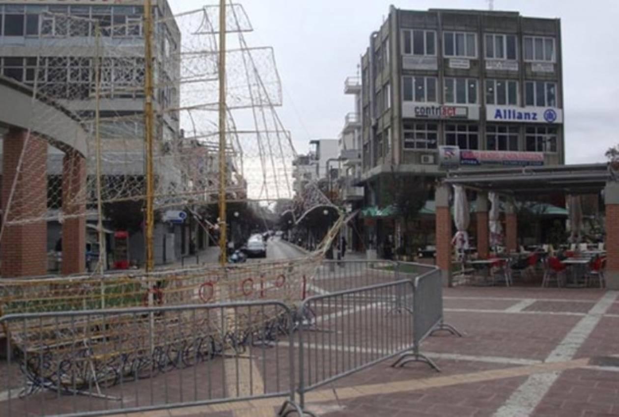 Εγκληματική αμέλεια: Δήμος στόλισε με χριστουγεννιάτικα διάβαση τυφλών