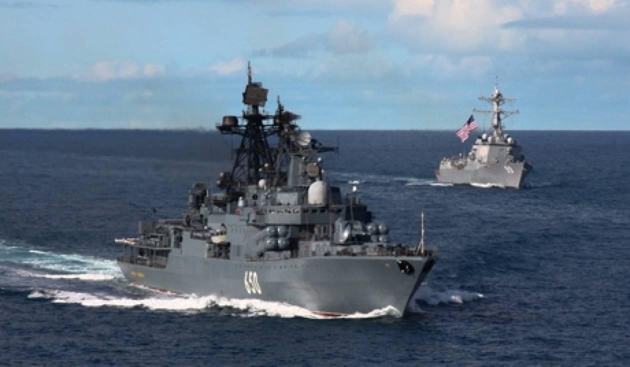 Το ρωσικό ΠΝ ενισχύει τη μοίρα των πλοίων για την πειρατεία
