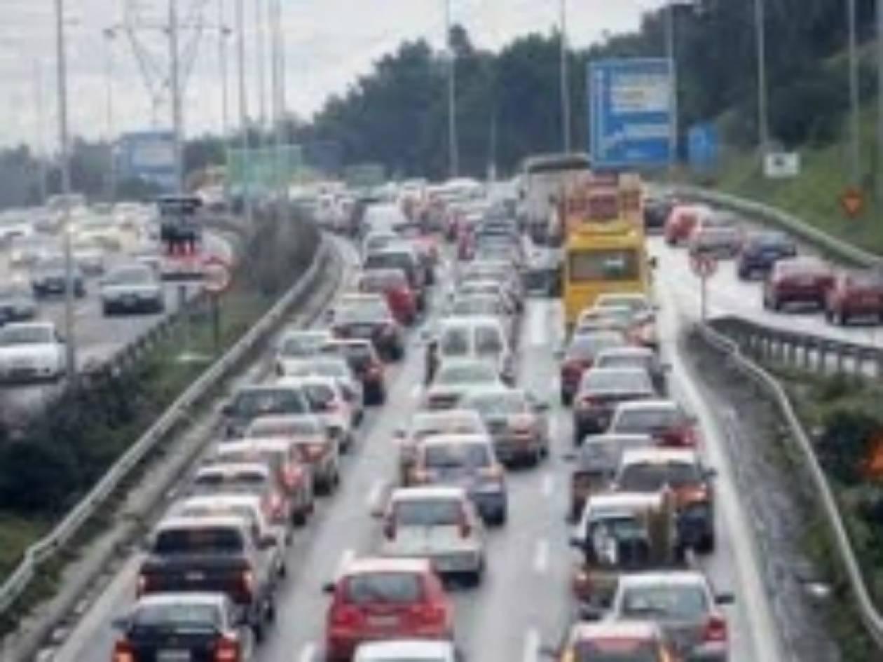 ΠΡΙΝ ΑΠΟ ΛΙΓΟ: Τροχαίο στη Θεσσαλονίκη λόγω παγετού