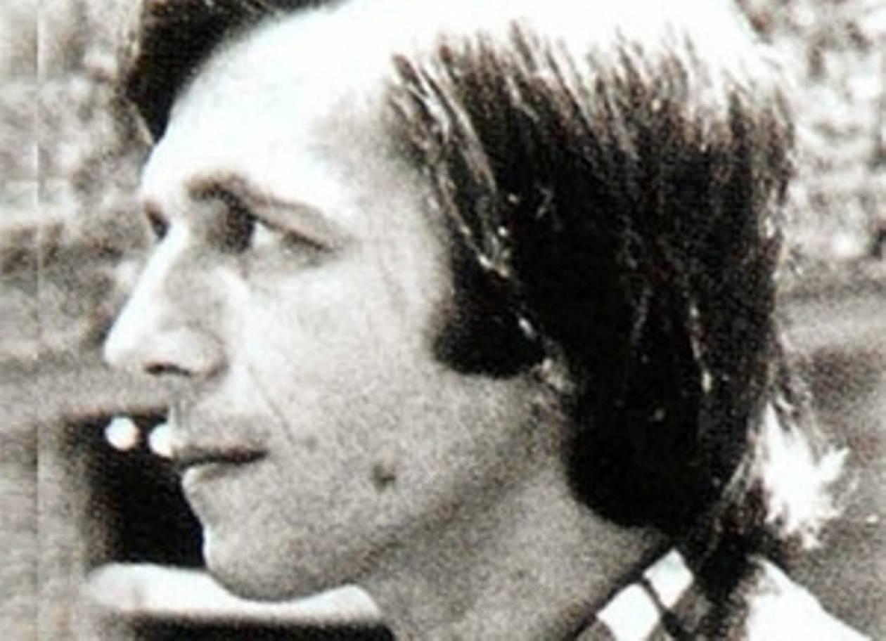 «Έσβησε» ο ποιητής και στιχουργός Άλκης Αλκαίος