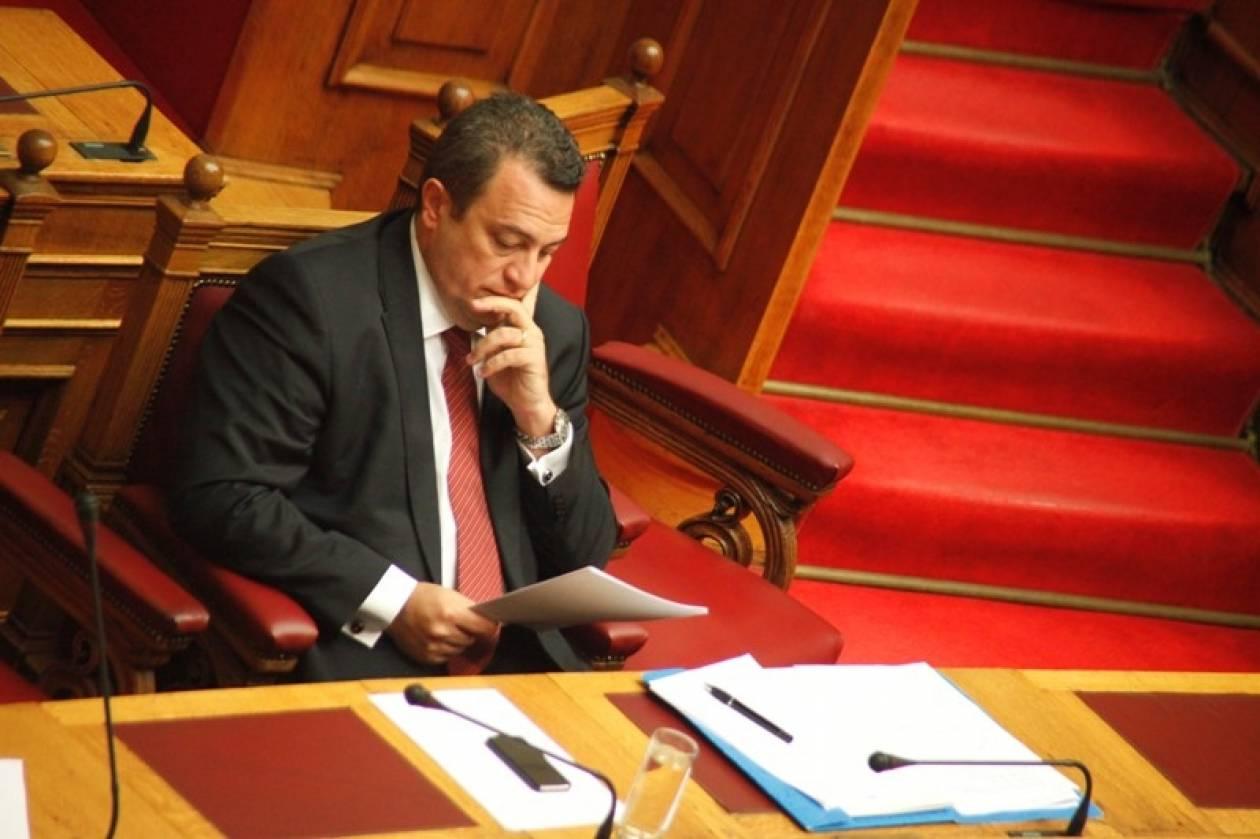 Με απόφαση Στυλιανίδη 7,4 εκατ. ευρώ σε δήμους και περιφέρειες