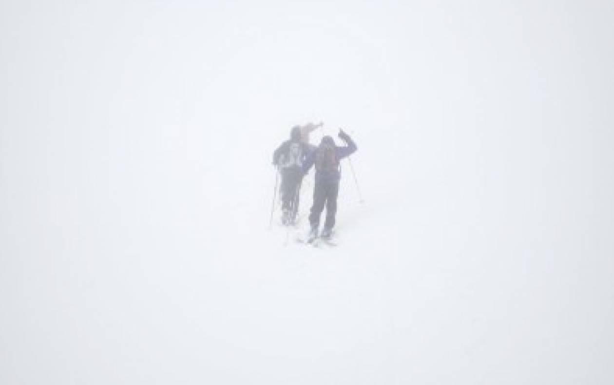 Βίντεο: Πρεμιέρα με ομίχλη στο Χιονοδρομικό στο Βελούχι