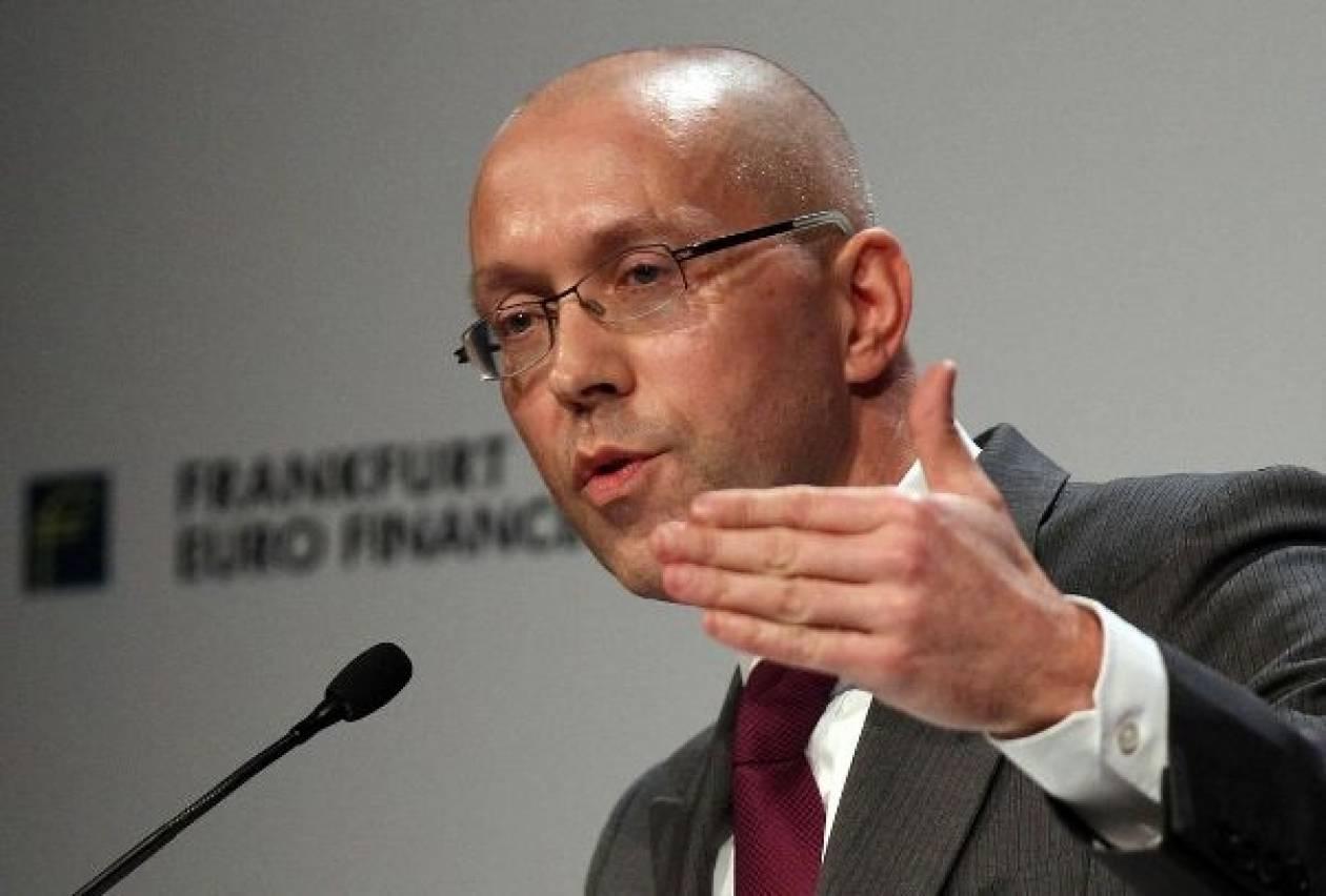 Άσμουσεν: Λάθος η συζήτηση για νέο «κούρεμα» του ελληνικού χρέους