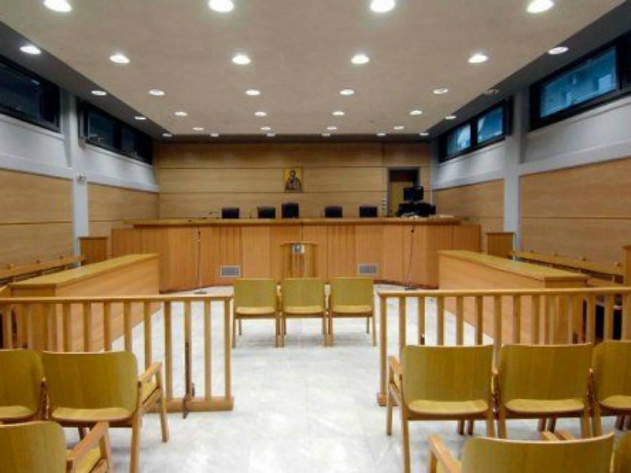 Κρήτη: Δολοφόνησε τη γυναίκα του με πιρούνι μπροστά στα παιδιά τους