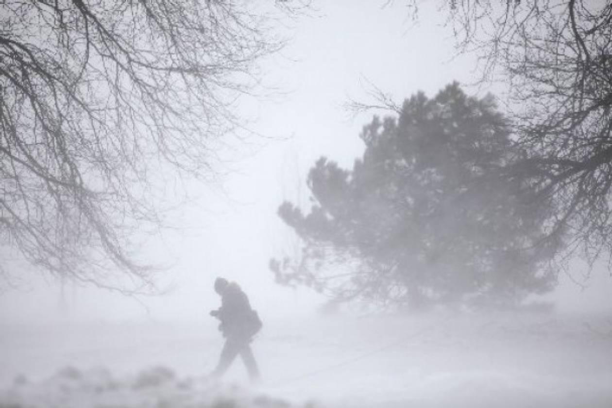 Χιονοθύελλα στο Καρπενήσι – «Βραχυκύκλωμα» στο Καϊμακτσαλάν