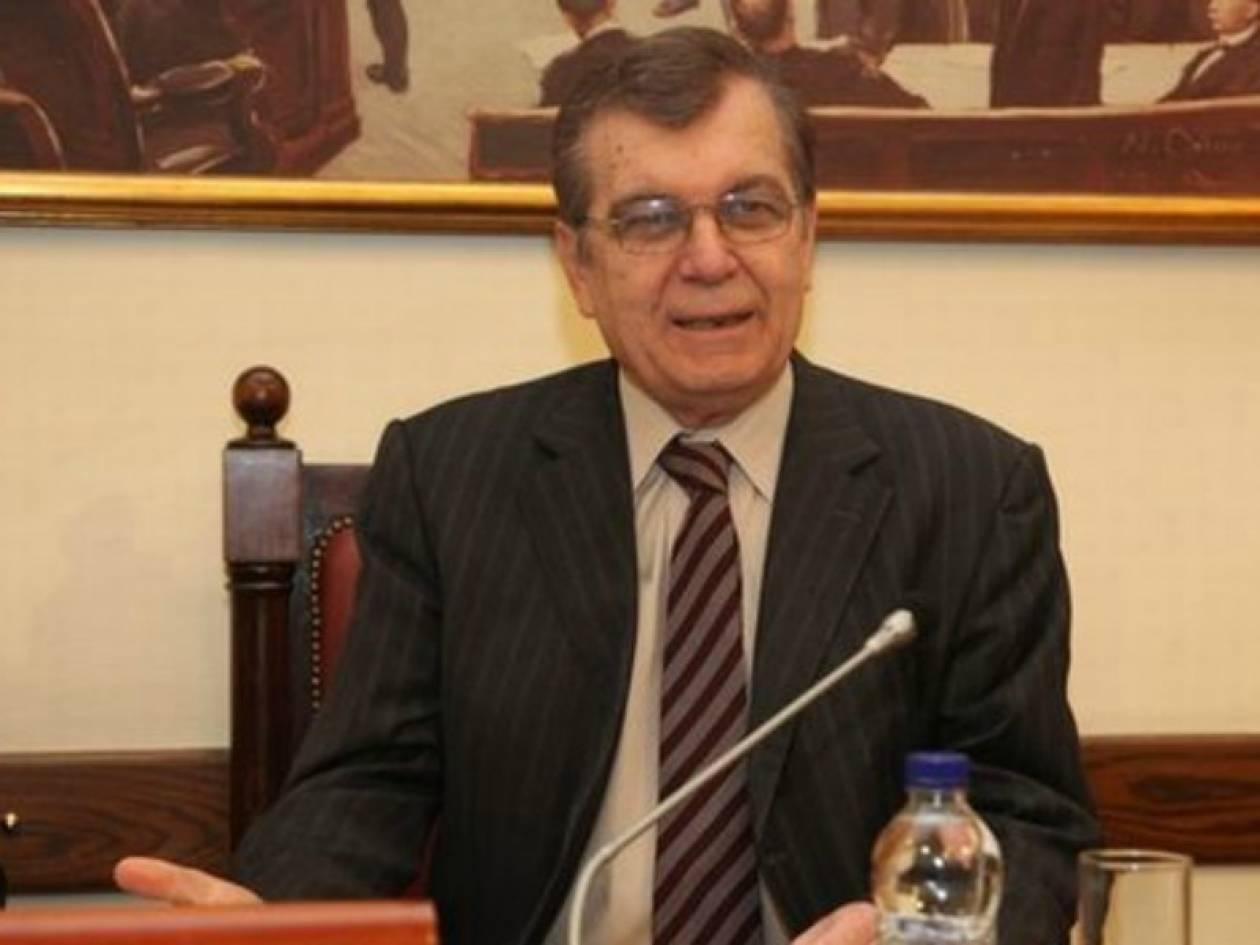 Δημήτρης Κρεμαστινός: Θέατρο τα πόθεν έσχες των πολιτικών