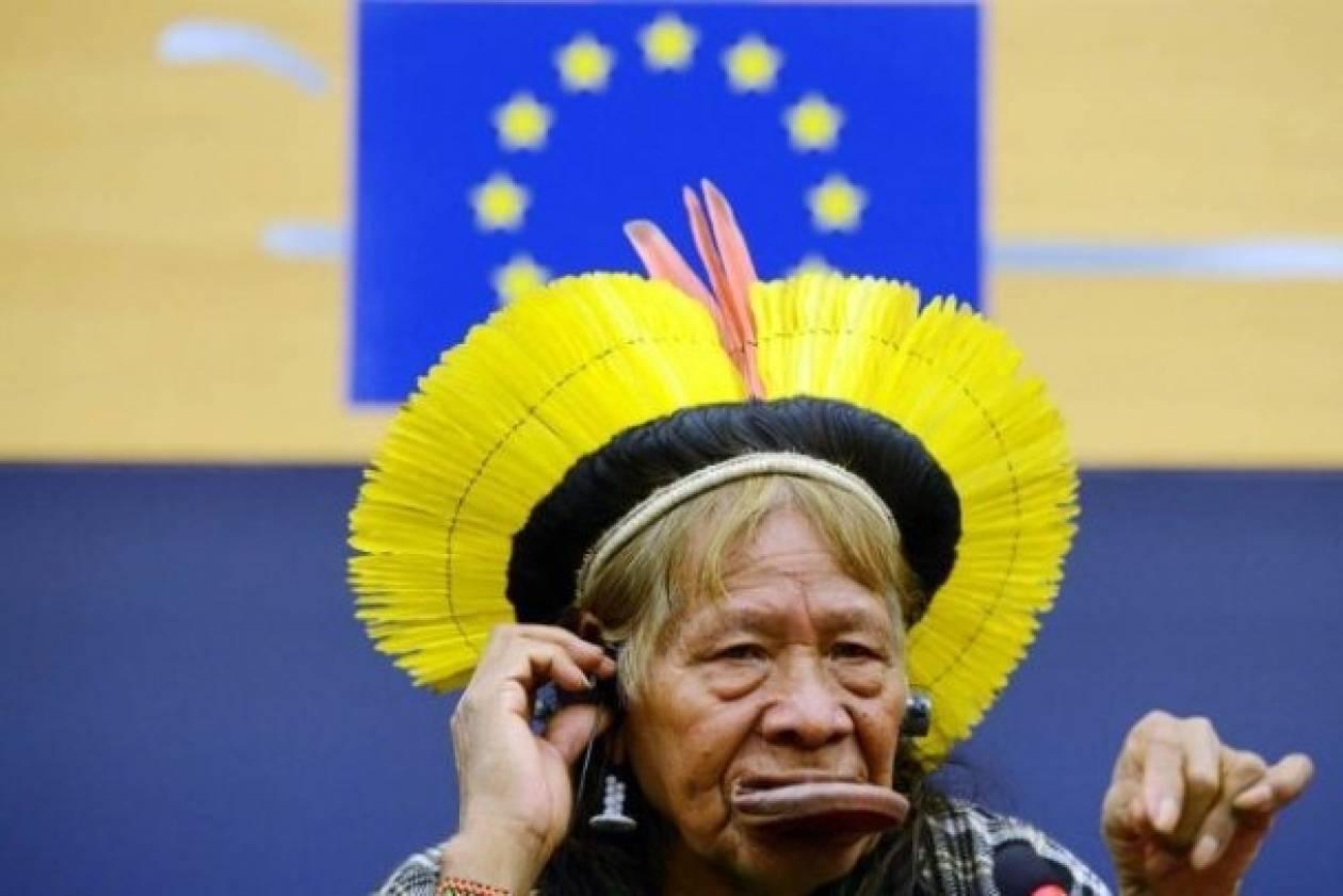 Ινδιάνος αρχηγός ζήτησε τη βοήθεια των Ευρωπαίων