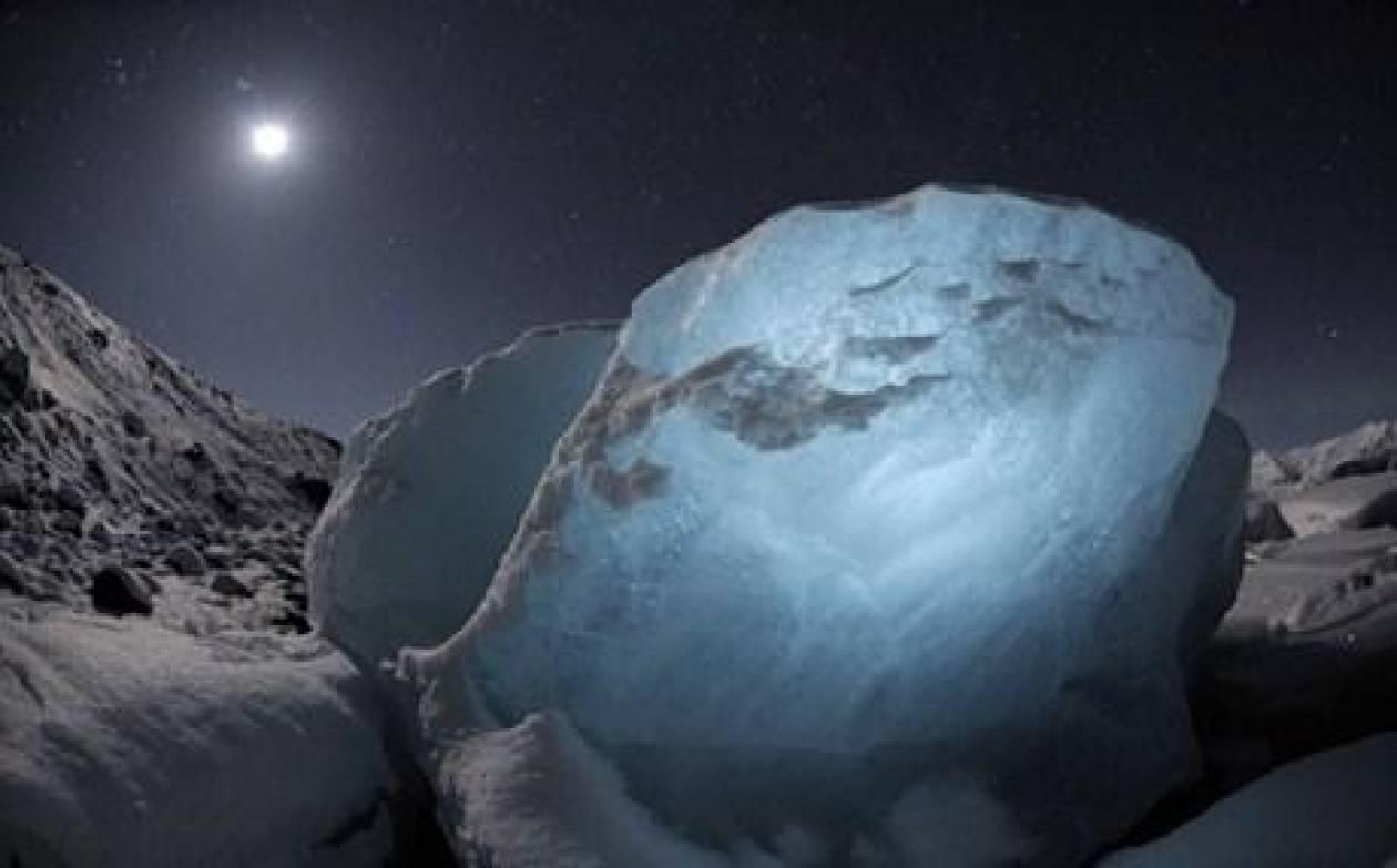 Συγκλονιστικό βίντεο: Το μεγαλύτερο παγόβουνο που έσπασε ποτέ