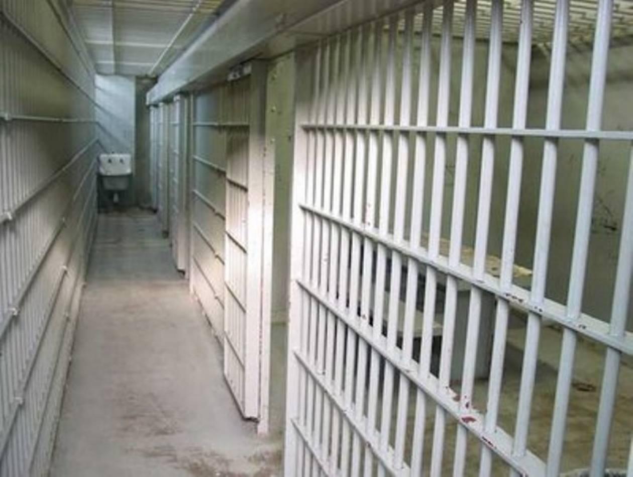 Μέτρα για τους οροθετικούς κρατούμενους