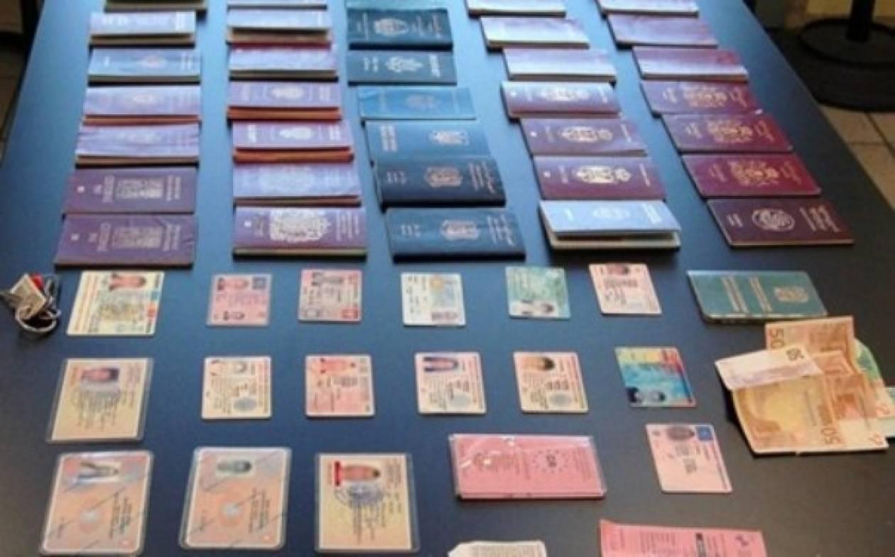 Εντοπίστηκε «βιομηχανία» πλαστών εγγράφων στα Σεπόλια