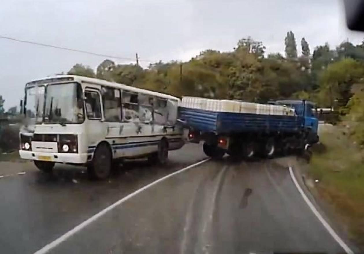 Βίντεο: Τα fail του Νοεμβρίου στους δρόμους της Ρωσίας