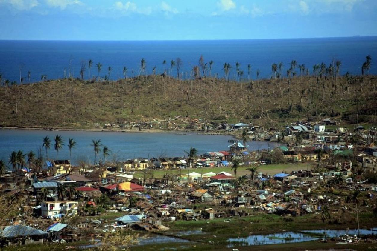 Τραγωδία δίχως τέλος: Πάνω από 900 οι νεκροί στις Φιλιππίνες