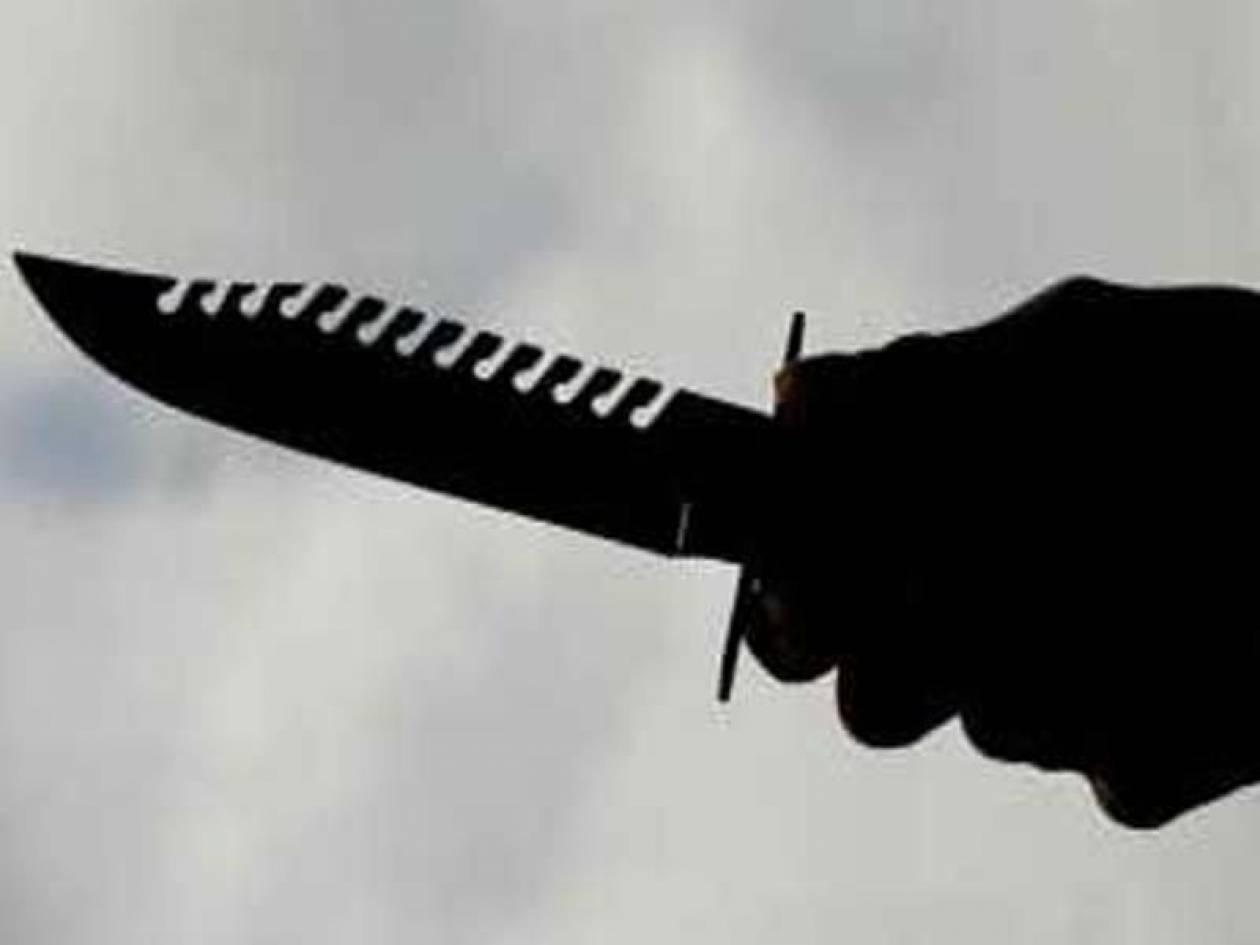 Σοκ: Είδε μπροστά της έναν άνδρα με κράνος και μαχαίρι