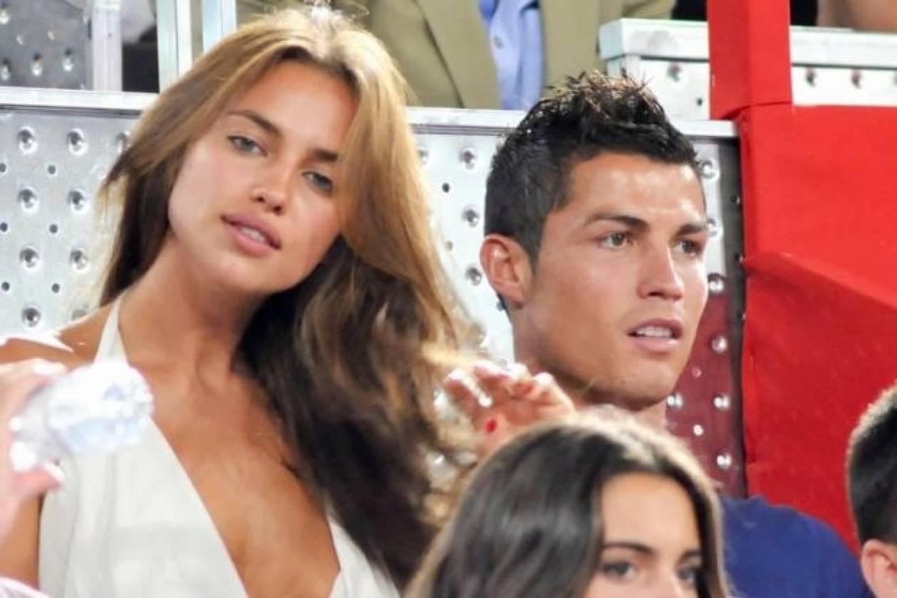 Οι πιο σέξι γυναίκες ποδοσφαιριστών (video)
