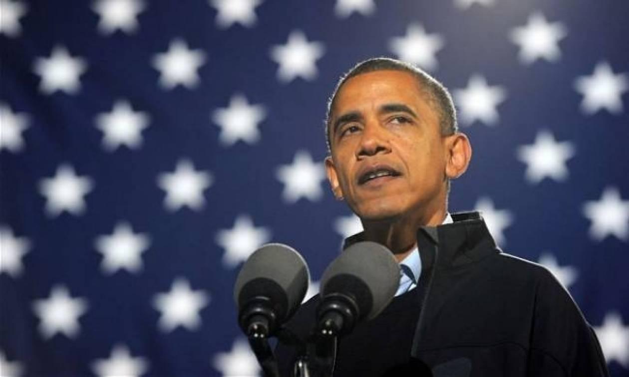 Μπαράκ Ομπάμα: Δεν μπορεί να ξεκολλήσει από το…