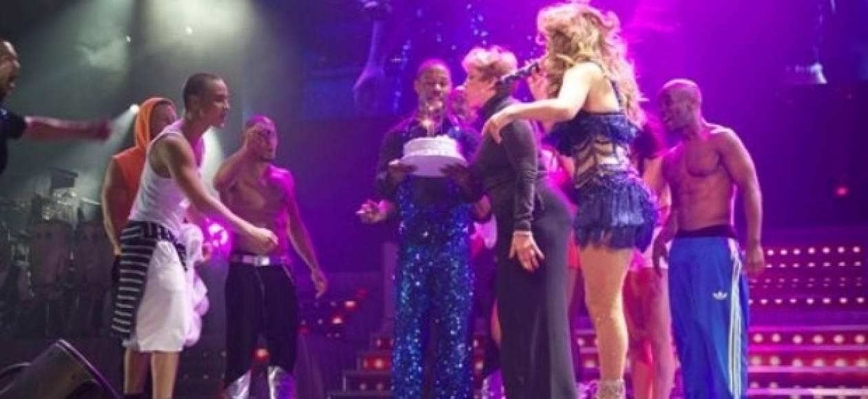 Η Jennifer Lopez ανέβασε στη σκηνή τη μητέρα της και το... γλέντησαν!
