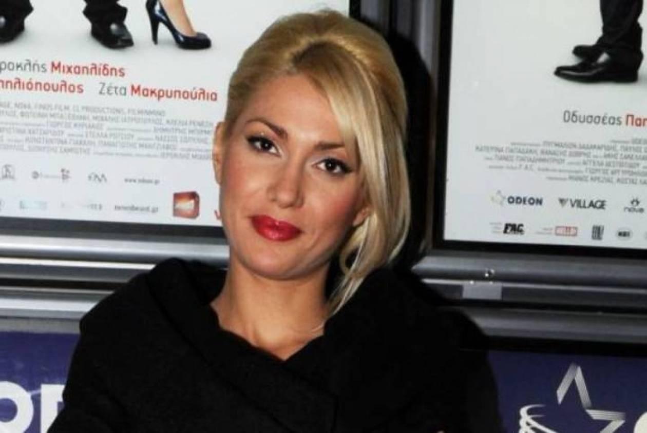 Κλέλια Ρένεση: «Δεν φοβήθηκα ποτέ το sexy»