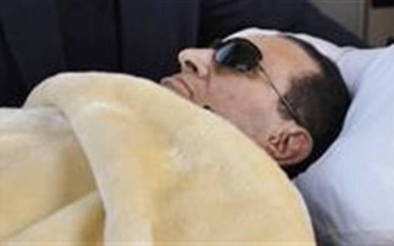 Μουμπάρακ: Χτύπησε το κεφάλι του στις τουαλέτες των φυλακών