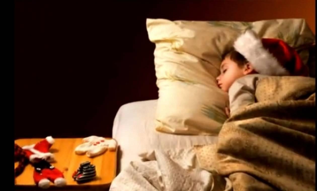 Βίντεο: «Η άγια νύχτα» στην πιο γλυκιά εκτέλεση!