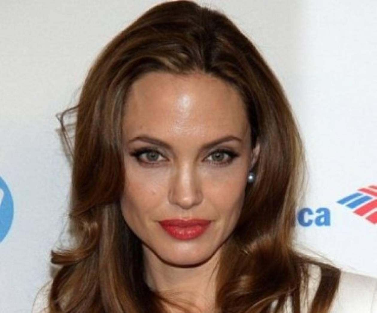 Αngelina Jolie: Κάνει πλαστικές επεμβάσεις για την ημέρα του γάμου της