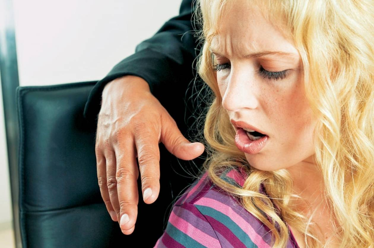 Καταγγελίες για εργοδότες που κακομεταχειρίζονται τις γυναίκες