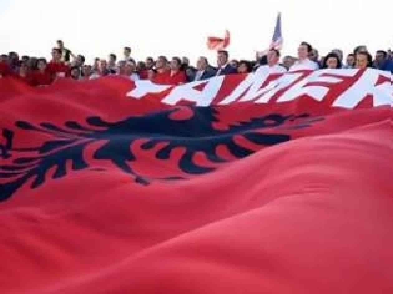 """Πρώην Πρόεδρος της Αλβανίας υπογράφει υπόμνημα για το """"Τσάμικο"""""""
