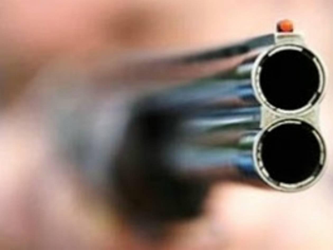 Τρίκαλα: Απείλησε με όπλο συνεργείο της ΔΕΗ που πήγε να κόψει το ρεύμα