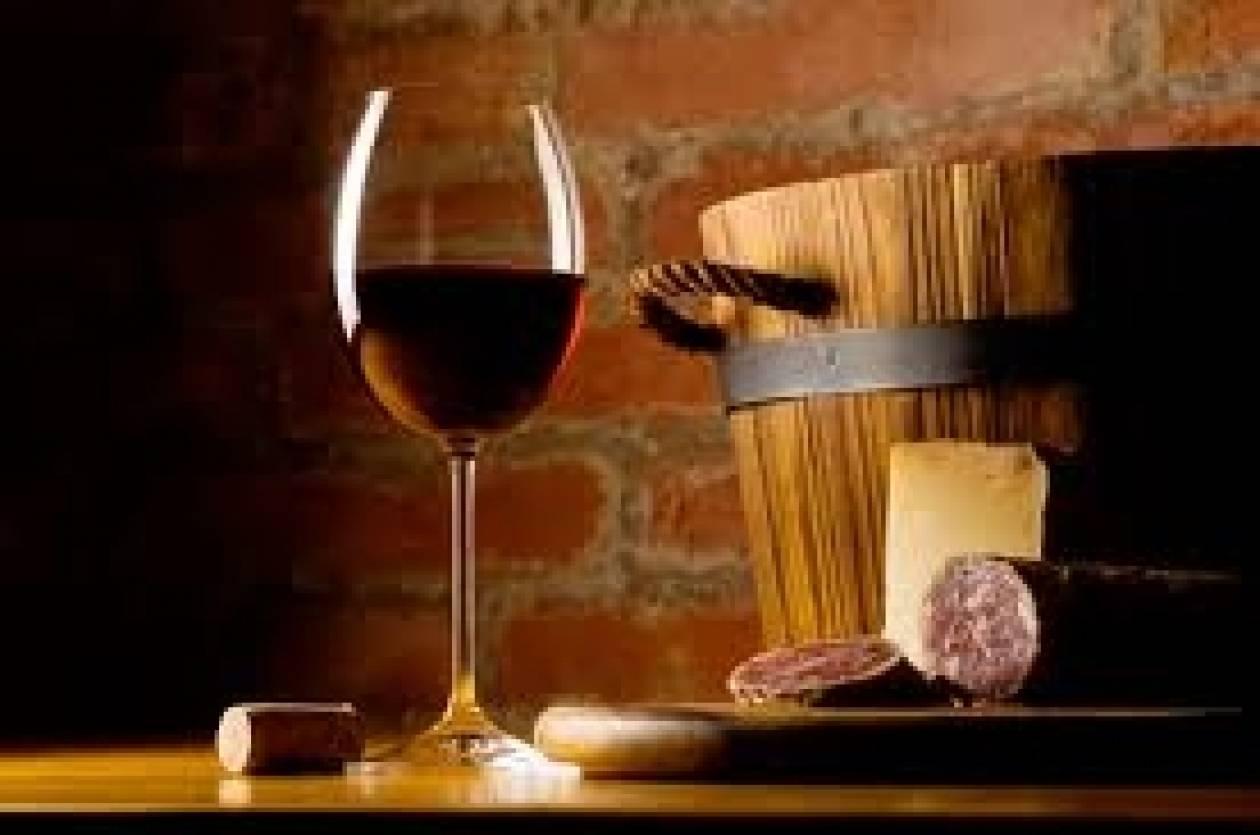 Έχυσε σε υπόνομο κρασί αξίας πολλών εκατ. ευρώ για να πάρει εκδίκηση