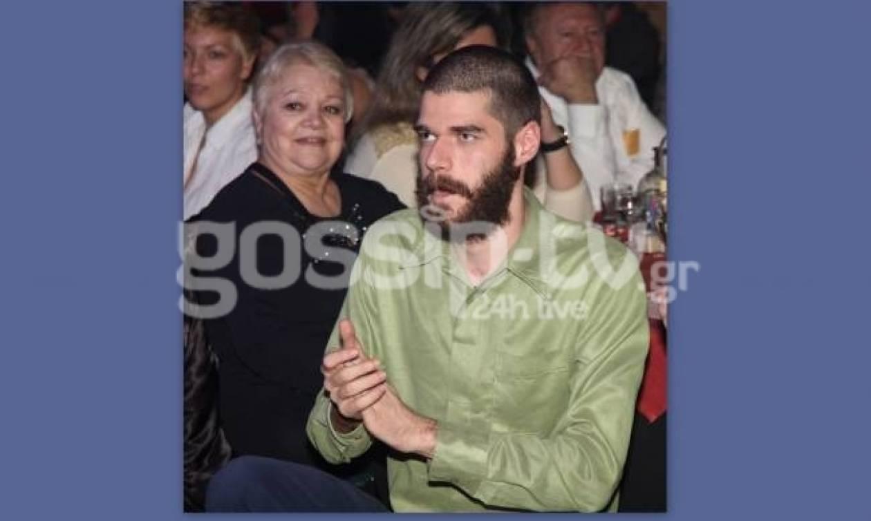 Γιος πασίγνωστου Έλληνα ηθοποιού ακολουθεί τα χνάρια του πατέρα του