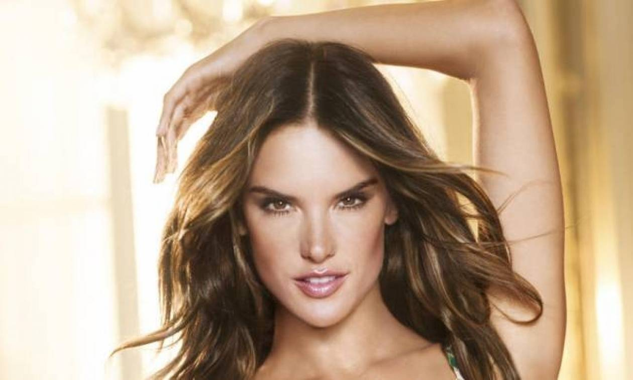 Alessandra Ambrosio: Εύχεται «Χρόνια Πολλά» με ένα hot video!