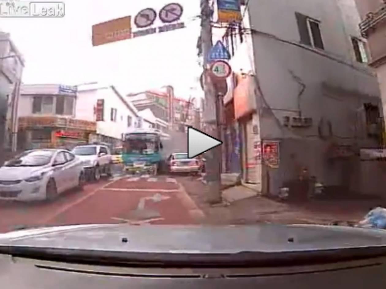 Βίντεο: Δείτε πως γλύτωσε τελευταία στιγμή από μια επικίνδυνη έκπληξη