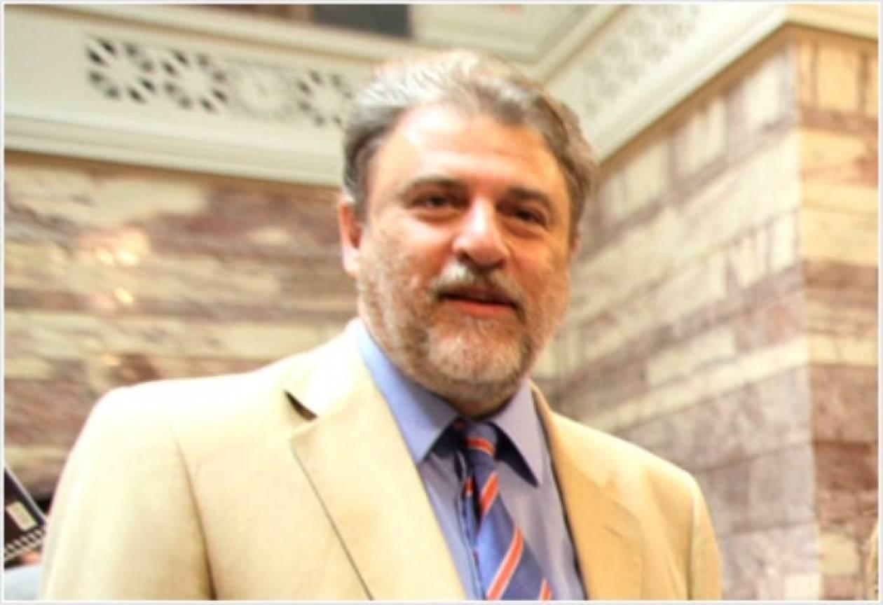 Ν.Μαριάς: Ο πρωθυπουργός σε ρόλο Αϊ Βασίλη!
