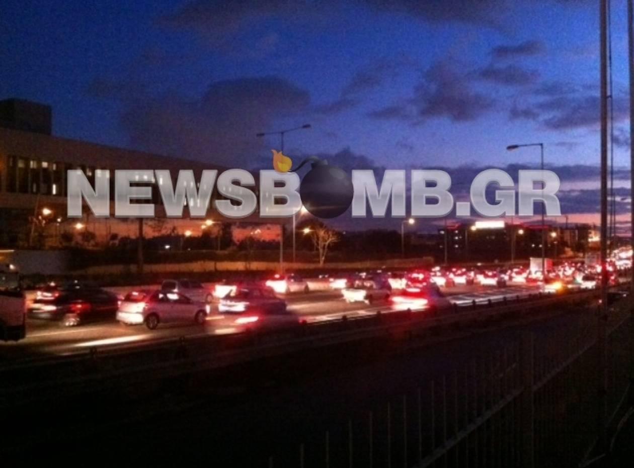 ΤΩΡΑ: Κυκλοφοριακό «έμφραγμα» στην ΕΟ Αθηνών – Λαμίας (pics)