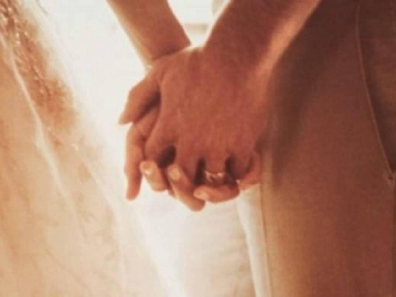 Διάσημο ζευγάρι δημοσιεύει τις πρώτες φωτογραφίες του γάμου του