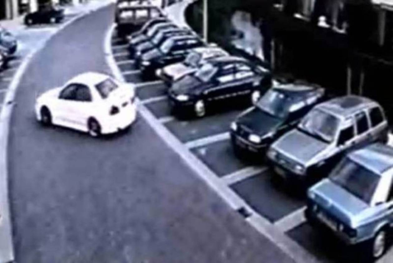 O δράστης ήταν οδηγάρα! (video)