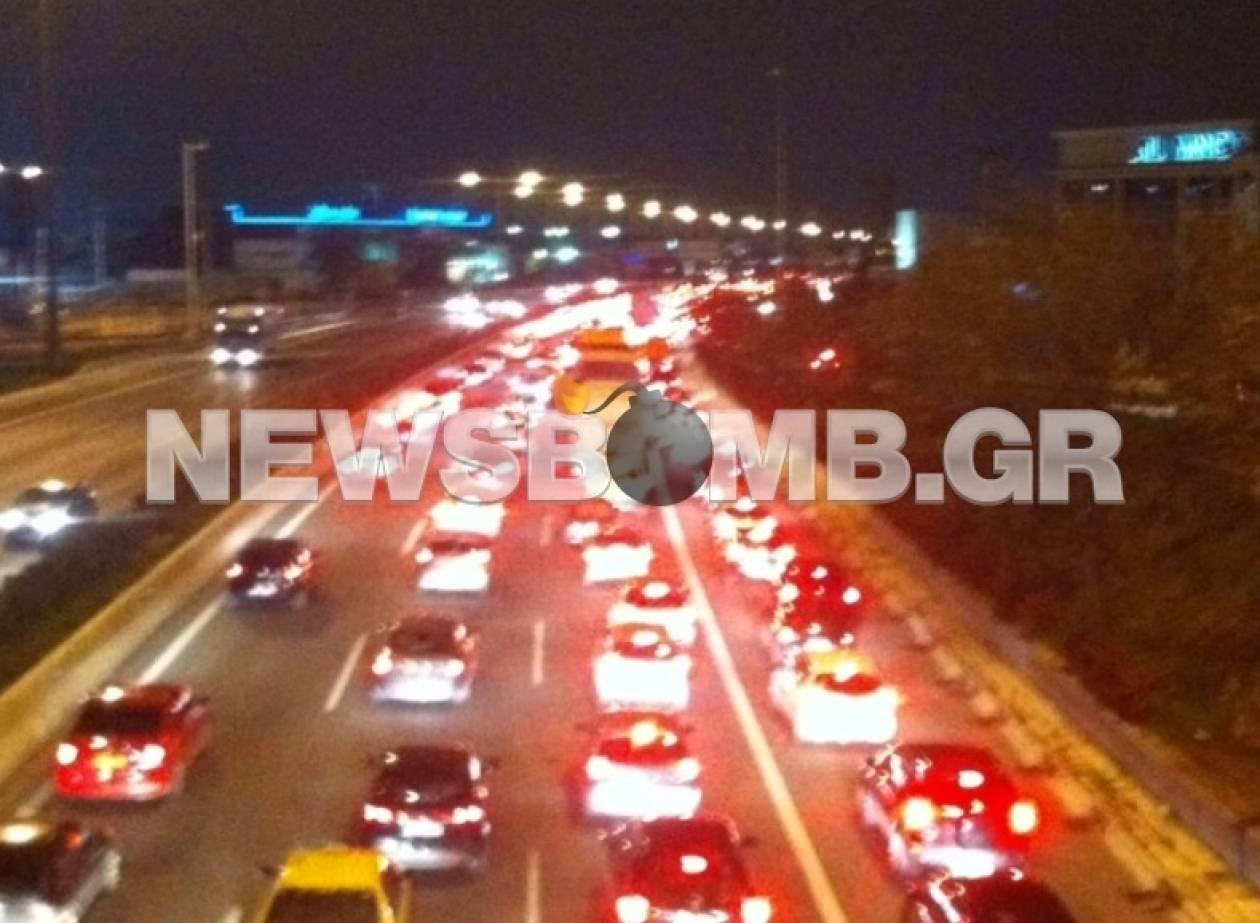 ΤΩΡΑ: Κυκλοφοριακό αλαλούμ στην εθνική οδό Αθηνών–Λαμίας