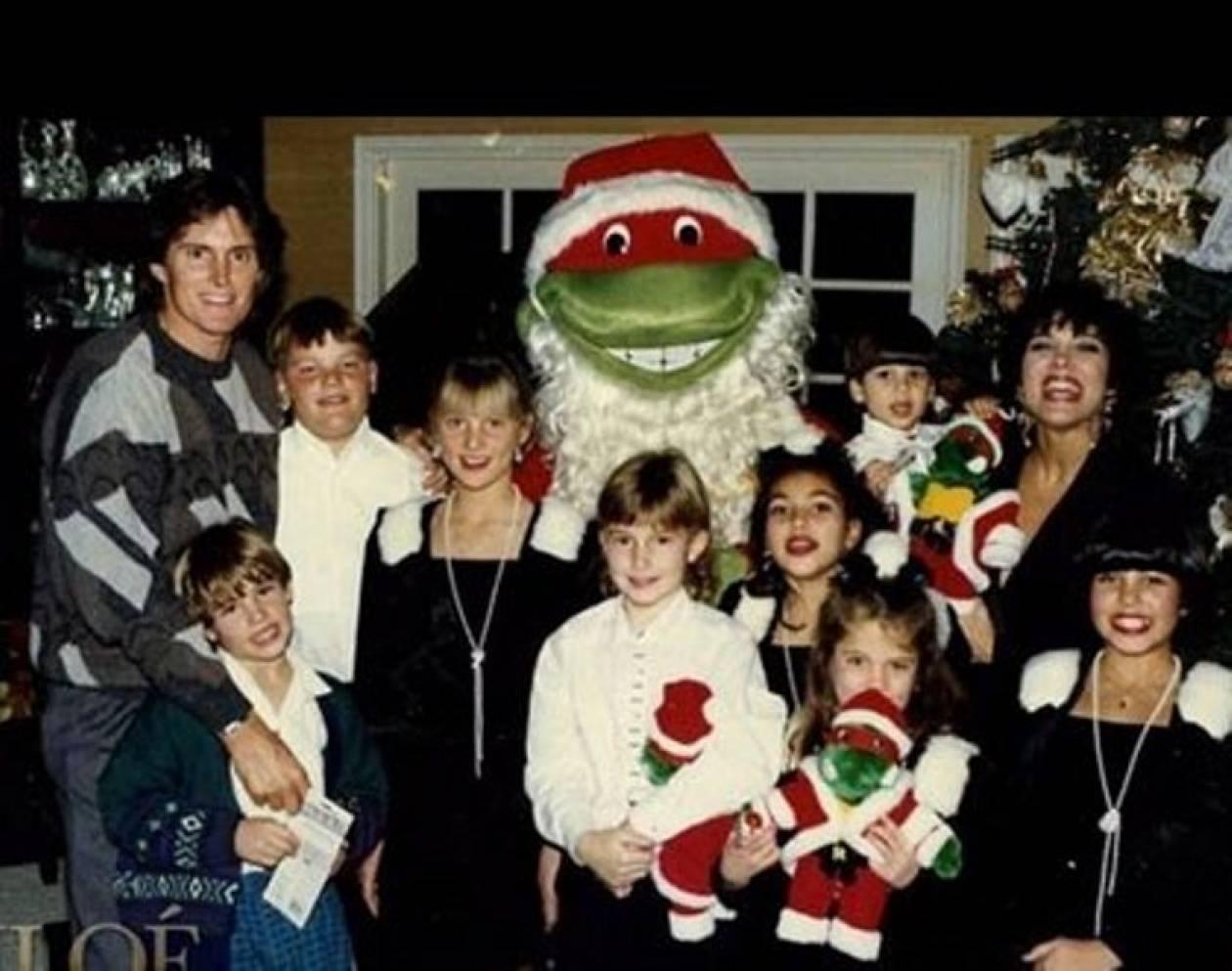 Ποια οικογένεια ποζάρει για τα Χριστούγεννα 20 χρόνια πριν...
