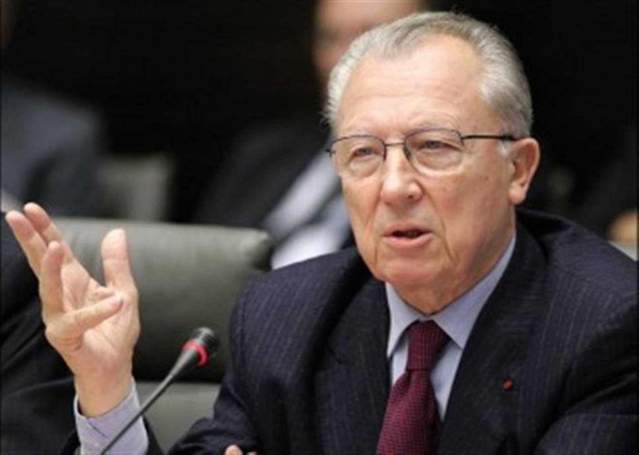 Υπέρ της τροποποίησης της συνθήκης της Ε.Ε. τάχθηκε ο Ζακ Ντελόρ