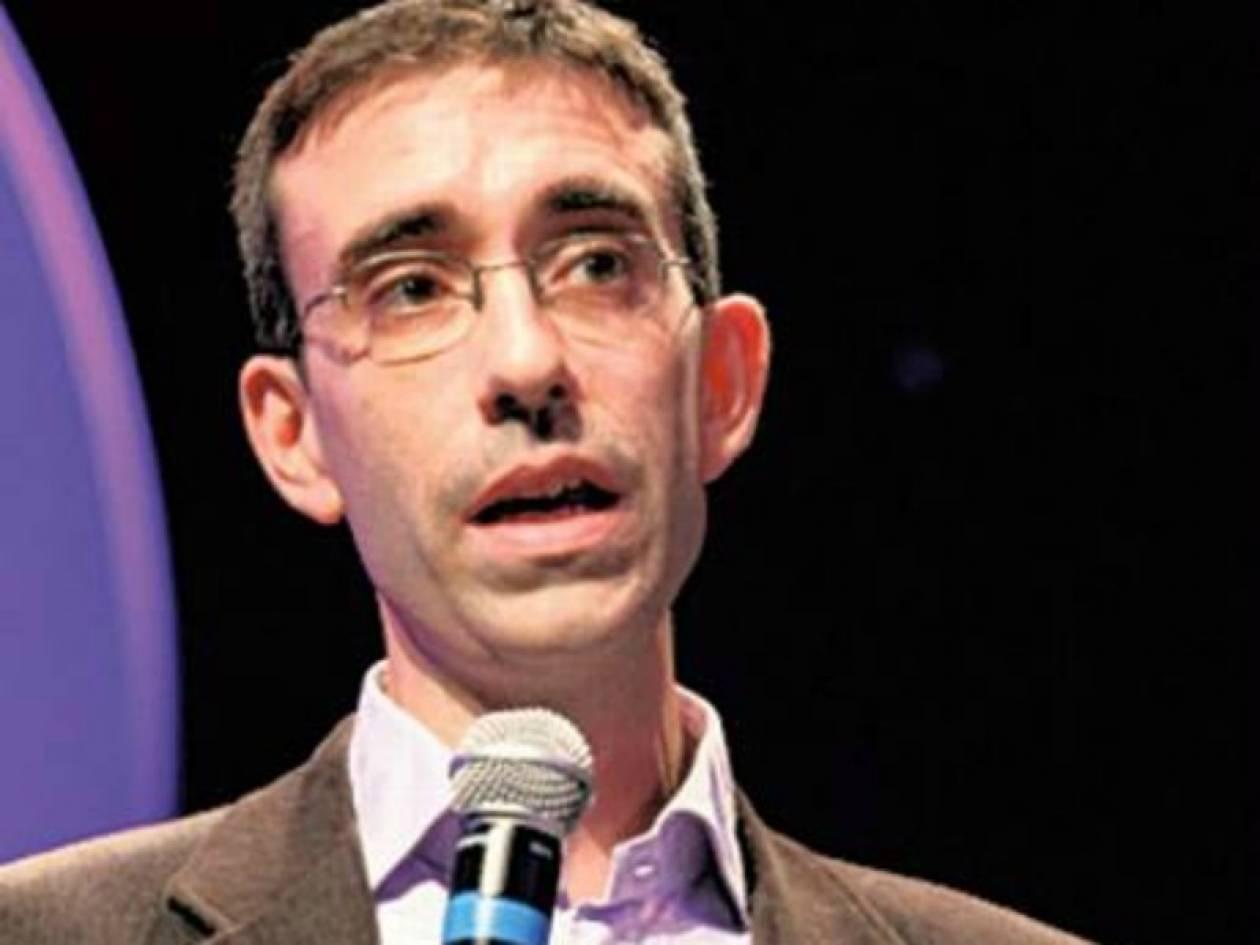 Αυτός είναι ο δημοσιογράφος του BBC που μπήκε στη Χρυσή Αυγή