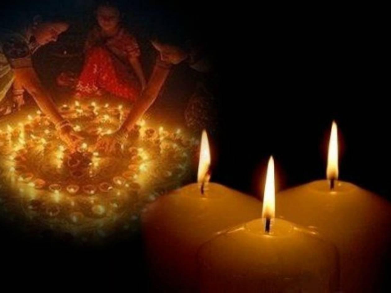 Χριστούγεννα με κεριά λόγω χρεών στη ΔΕΗ