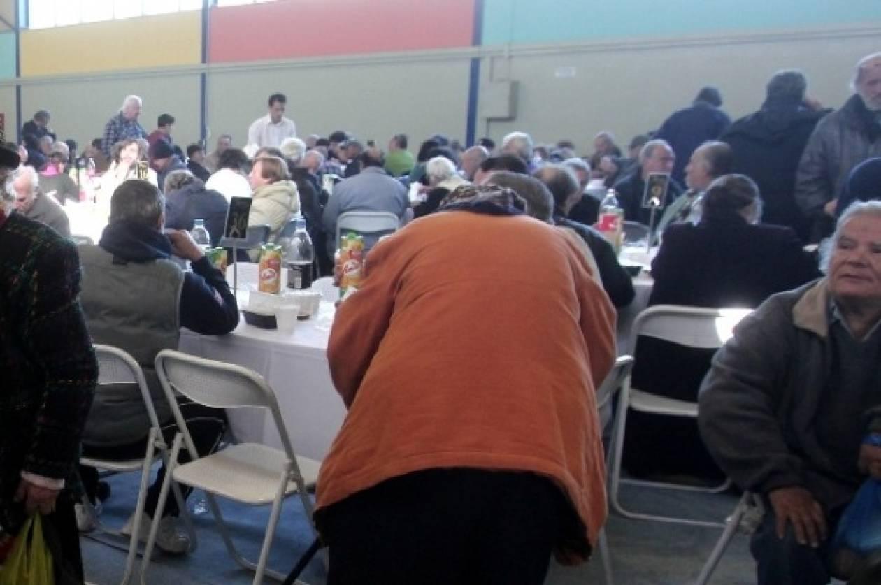 Γεύματα αγάπης από τον Δήμο Αθηναίων και την Αρχιεπισκοπή Αθηνών