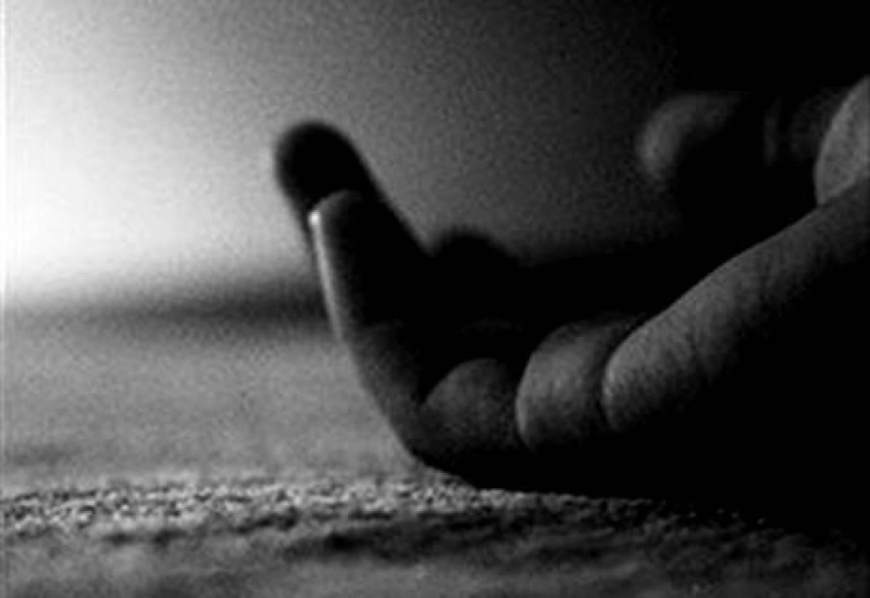 ΣΟΚ: Αυτοκτόνησε 17χρονος πέφτοντας σε ηλεκτροφόρα καλώδια