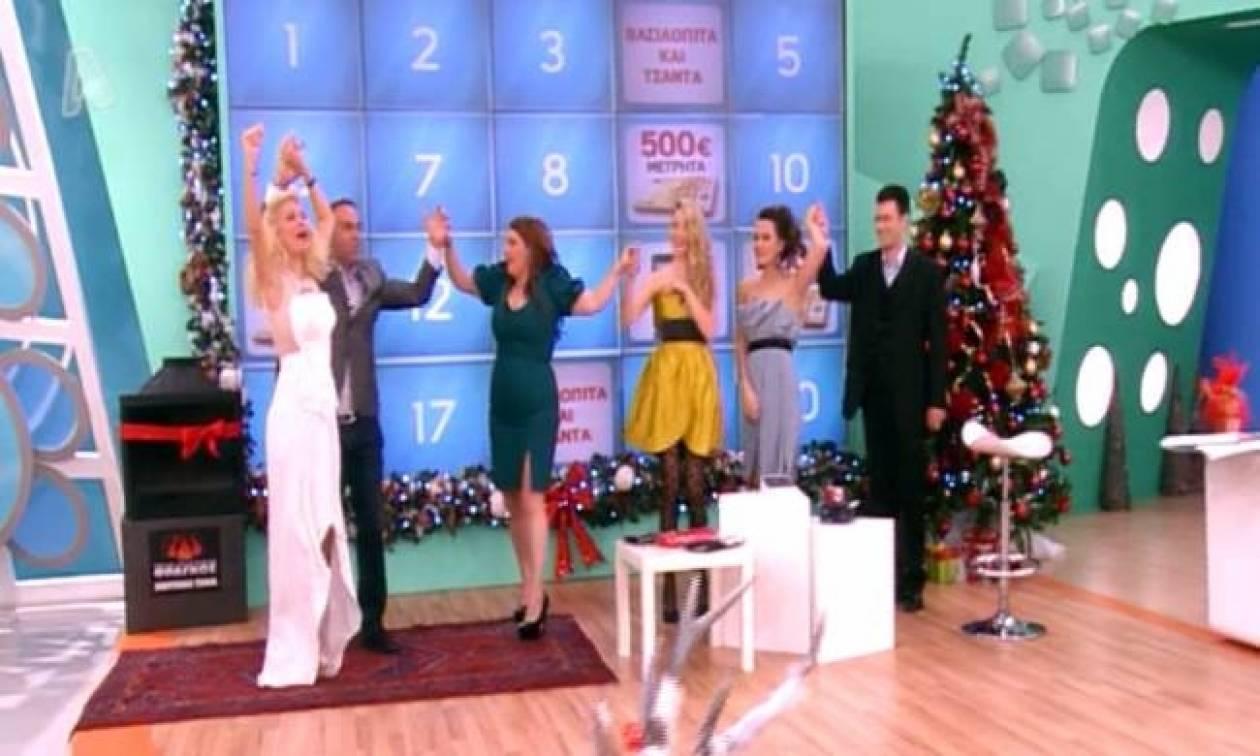 Έσυρε το χορό η Μενεγάκη ανήμερα Χριστουγέννων!