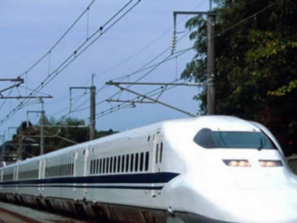 To μεγαλύτερο και γρηγορότερο τρένο στον κόσμο είναι γεγονός (vid)