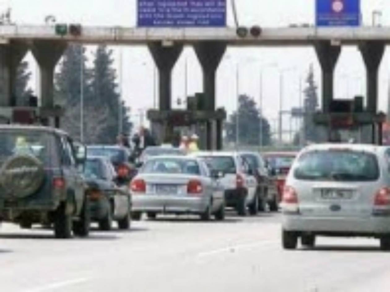 ΤΩΡΑ:Επικίνδυνο όχημα κινείται αντίθετα στην Θεσ/νικης - Αθηνών