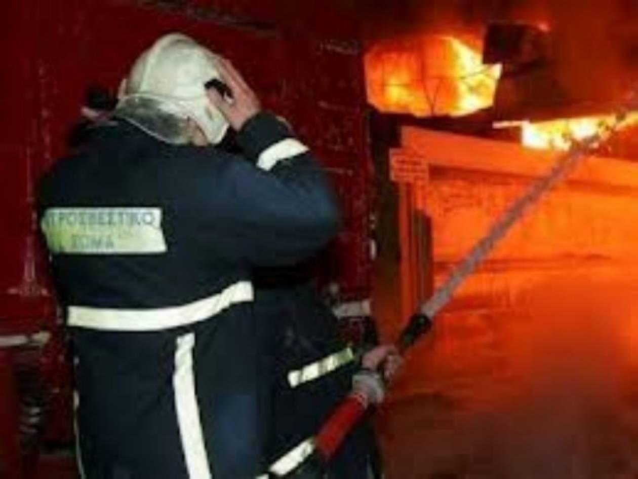 ΤΩΡΑ - Φωτιά σε εργοστάσιο στη Θεσσαλονίκη